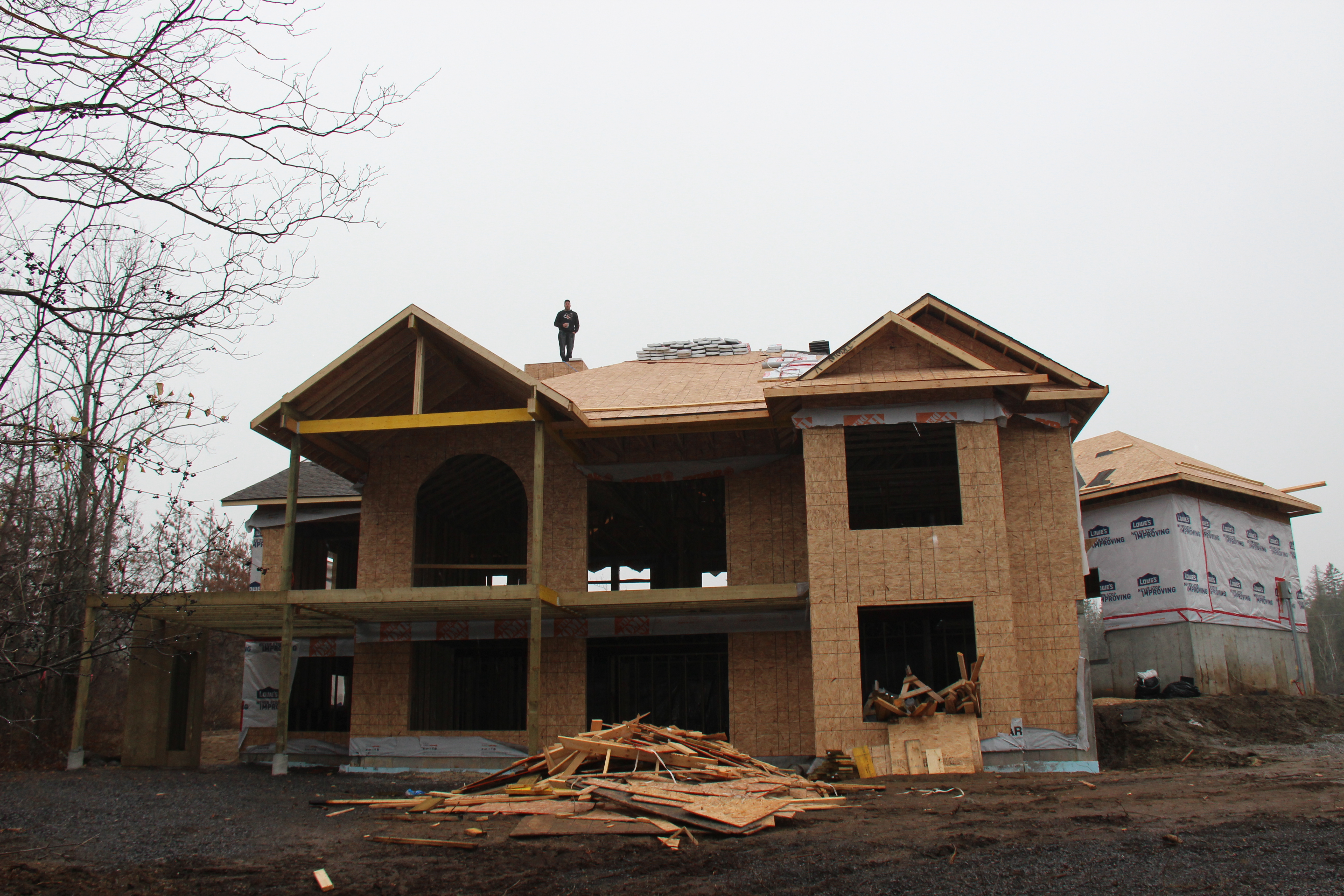 NL Renovations | general contracting & Home Renovations | home, kitchen, bathroom, windows, doors, siding, fences, decks, basement, laundry room, new builds